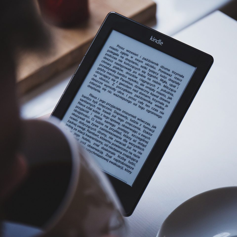 eReader Market Projected to Shrink by Over 50 Percent